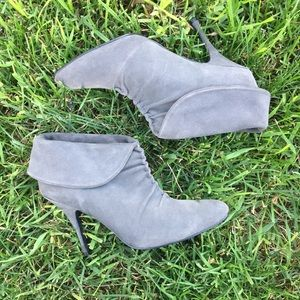 Colin Stewart Grey Suede Ankle Boots Size 8.5